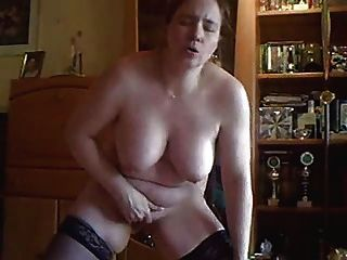 Mi esposa caliente se masturba para ti delante de la leva