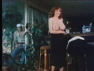 F60 grandes boobs retro nena masturbarse