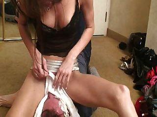 Sexy señora enfrenta a su esclavo 2
