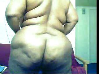 Mujer negra gorda en la leva