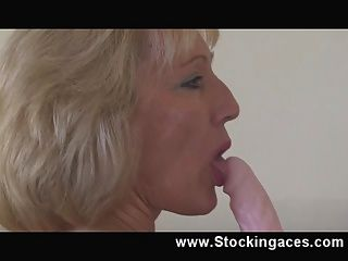Stocking milf penelope travieso dormitorio