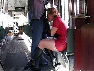 Zapatos rojos de la falda del látex de los cargadores de ballet