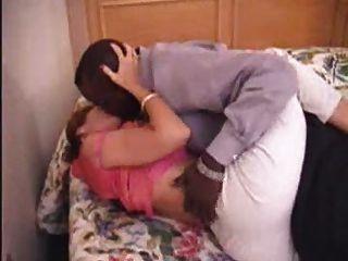 Milf madre amateur madura haciendo el amor a su novio negro