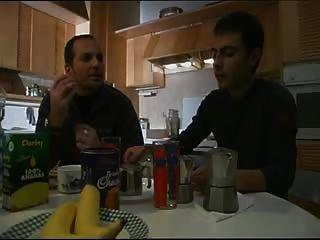 Vizio di famiglia escena 1 jk1690