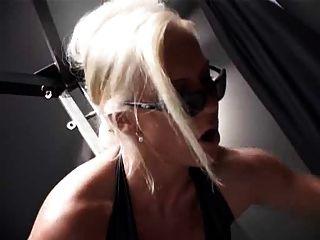 Amante tiene sub adorar su culo