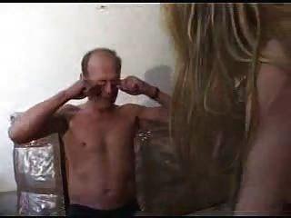 Sucio viejo chico fuck un joven rubio por snahbrandy