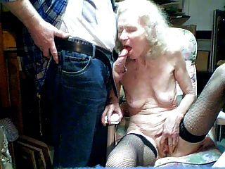 Vieja abuelita 70 años chupar por nieto