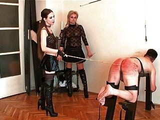 Bdsm slave bronte castigado caned y anal enganchado en cadenas