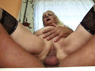 Abuelita gorda rubia (alemán)
