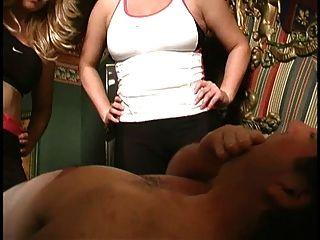 Cfnm humillación instruido masturbándose