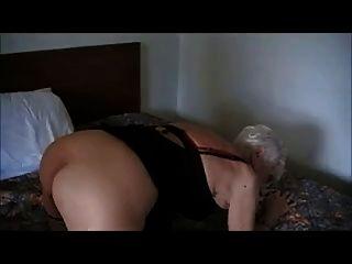 90 añosVieja abuela follada en un hotel