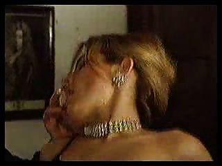 Gigis 3some rubia chica se folla por dos hombres