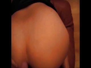 Aficionado gordinflon masturbado y coño anal en casa