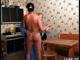 Sexo anal en todas las monedas de la casa