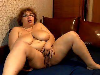 Mega boobs maduro 2