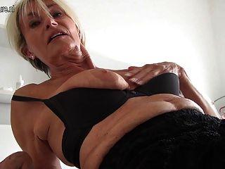 Muy vieja e increíble alemana caliente gilf abuela