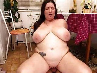 Tíos gorditos cachonda esposa follada en la cocina