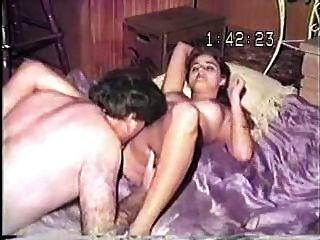 ¡Vieja cinta del vhs del viejo individuo gordo que folla a su esposa joven encantadora!
