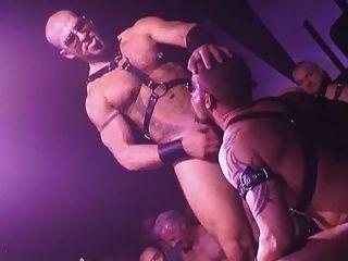 Gays húmedo y áspero show de sexo en vivo