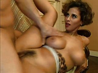 Grande titted eurobabe 01