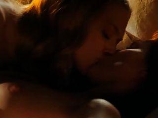 Amanda seyfried \u0026 julianne moore escena lesbiana de chloe