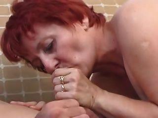 Pelirroja mamada follada