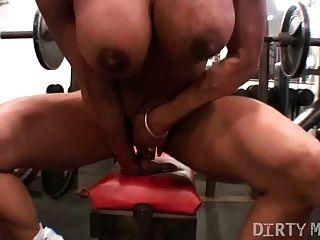 Jugar coño en el gimnasio