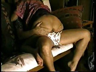 Mujer engañando caliente chupar y montar gallo en mi futon