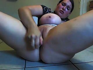 Chubby chica caliente en la webcam 4