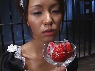 Comida japonesa fresa con cum