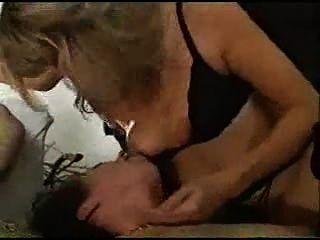 Rocco necesita mujeres obedientes