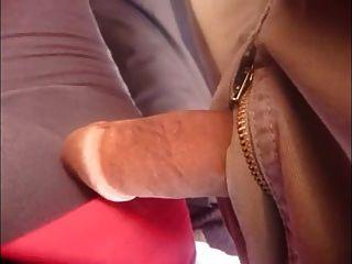 Toque de dick en el autobús público