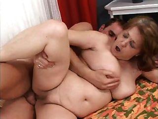 Abuelita gorda quiere polla joven