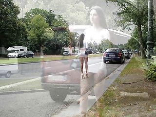 Mejor prostituta en el planeta: microskirt exposionista y vientre desnudo!