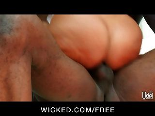 Milf lisa ana toma cinco pollas en interracial ganngbang