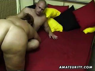 Chubby amateur esposa chupa y folla en casa