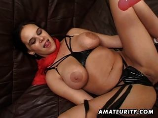 Busty amateur girlfriend toying, puta con la eyaculación facial