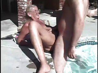 Sexy horny abuelita