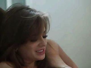 Hermosa niña perforada por un chico caliente ... f70