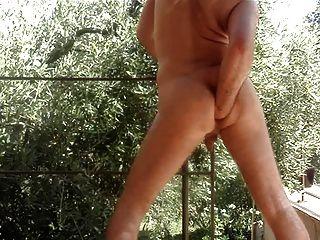 Fisting anal profundo mi culo enorme en el terras
