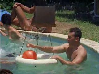 Escenario clásico campamento nudista
