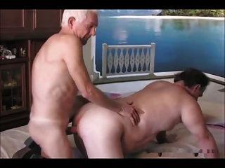 Hombres mayores follando