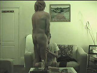 Una cosa lleva a otra puta calle tranny se chupa, follada, puño y pezón torturado