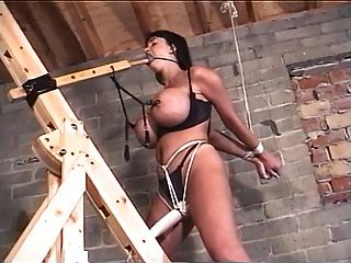 Verano cummings atado bdsm sexo esclavo