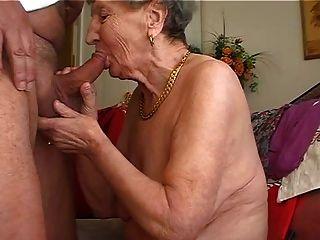 Abuelita le gusta tocar la flauta 2