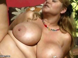 Sexy big tit bbw milf folla hunk gardner
