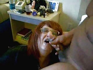 Esposa bebiendo mi esperma!Video casero