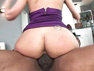 Chicas de culo blanco gordo vs chicas de gallo negro grande, parte 1
