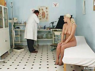 Busty alexa audaz gyno examen y la esclavitud tetas en clínica kinky