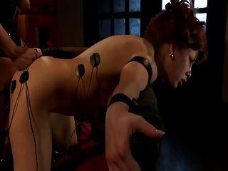Pelirroja es brutalmente electrocutado, torturado y jodido (jltt)